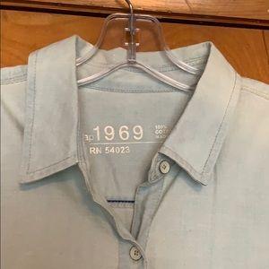 Gap 1969: 100% cotton, button down